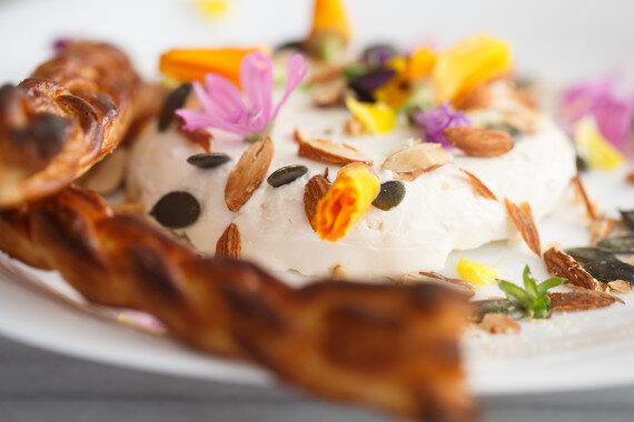 Keçi Peynirinin Çiçeklerle Aşkı 2